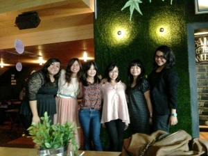 Perempuan-perempuan Indonesia. :)